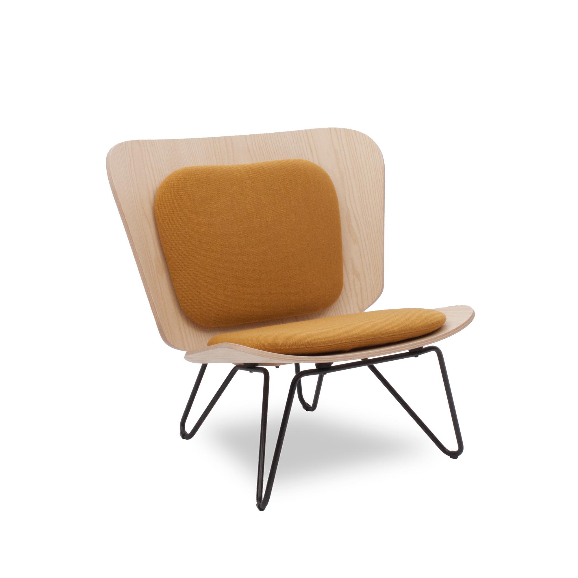 Lenz Sessel aus Eschefurnier und senfgelbem Polster