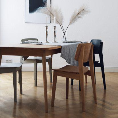 Usus Table und Usus Chair im Esszimmer