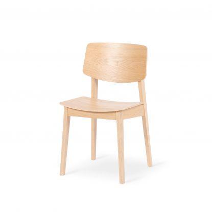 Usus Stuhl aus geölter Eiche