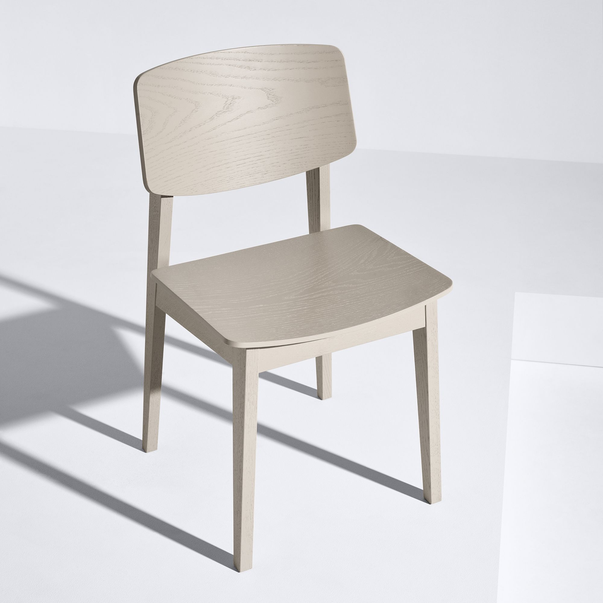 Usus Stuhl grau lackiert