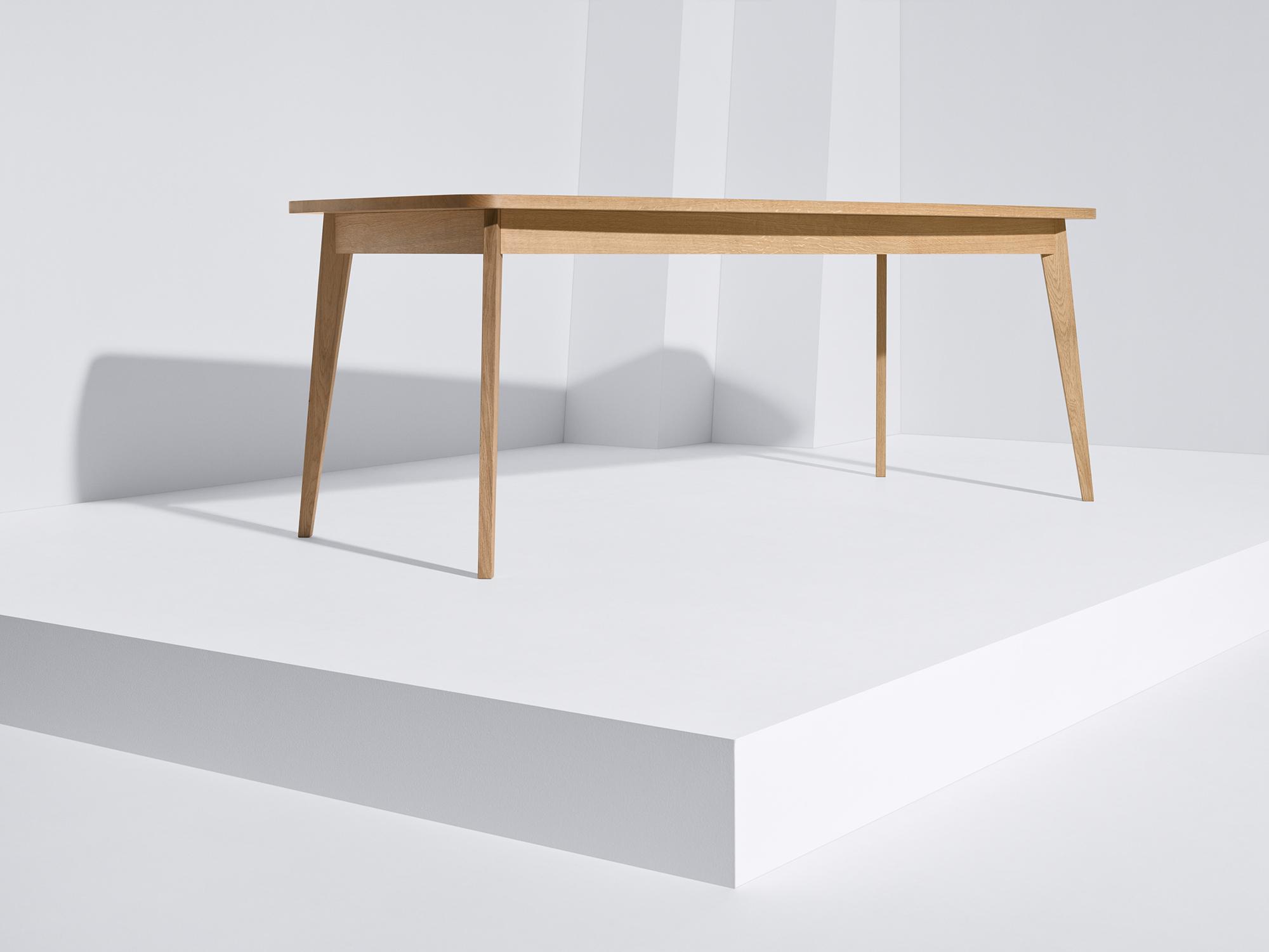 Usus Tisch aus massiver geölter Eiche